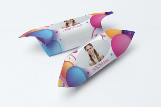 krowki-urodzinowe-ze-zdjeciem-kolorowe-balony-1-kg-slodyczy-gramatura-papierka-60g-m2